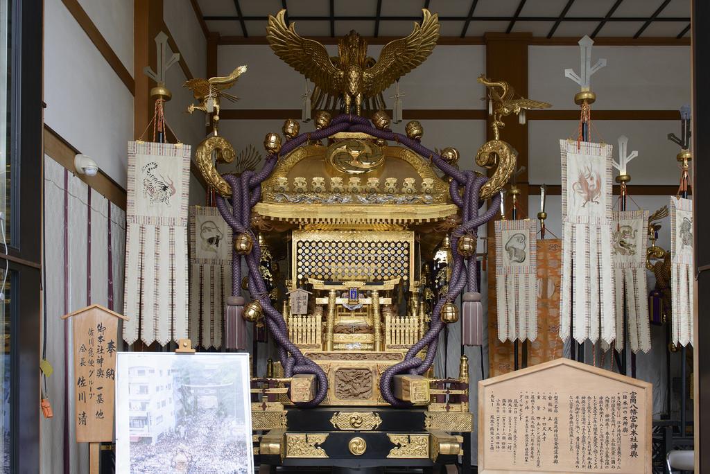 富岡八幡宮 黄金神輿