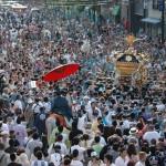 ブログ:鳥越神社の鳥越祭りで本社神輿を担いで来ました