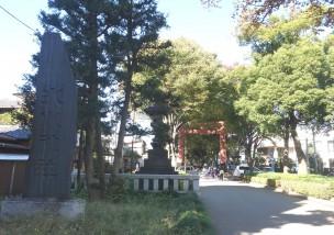 氷川神社正門